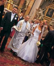 V roku 2010 sa vydávala prvá z twinsiek Daniela, ktorá si brala svojho manažéra Braňa Jančicha. Plány o 9 deťoch sa však po troch rokoch manželstva definitívne rozplynuli, prišiel rozvod...