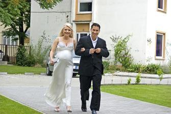 V roku 2011 sa Aneta Parišková vydávala po druhýkrát, za zajačika Marka Sedlmaira z Kanady. V brušku s nimi vtedy bol aj malý Gabriel. Bohužiaľ ani toto manželstvo Anete nevydržalo.