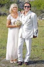 Jozef Vajda s už manželkou Julkou zorganizovali v roku 2014 taktiež tajnú svadbu. Hostia došli na oslavu narodenín a bola z toho svadba! Celkom netradične vo štvrtok, obrad v kameňolome s hostinou v Devíne.