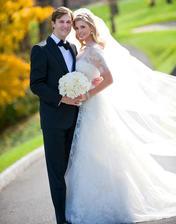 """V 2009 láska hory prenášala a Ivanka Trump konvertovala na judaizmus kôli Jaredovi Kushnerovi. Svadba v ockovom golfovom klube, šaty inšpirované Grace Kelly od Very a dokonalý melír :-) svadba """"zbúchaná"""" za 3 mesiace"""