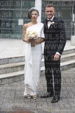Kristína Turjanová si cez víkend brala svojho o 10 rokov mladšieho zajka Martina Vaculíka. Aj keď ich prvá svadba sa odohrala ešte pred narodením syna Marka, teraz si ju zopakovali v kostole a hostí usadili na garden party v Beladiciach.