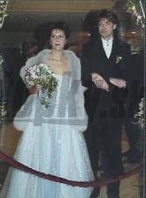 Po 4mesačnej známosti sa v roku 2003 brali Nora a Braňo Mojsejovci, svadba vraj za rovný milión Sk sa udiala v košickom hoteli Slovan. Norka bola rada, že ulovila zajka a Branko zase ocenil, že šampáňo tieklo prúdom.