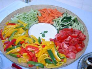 když bude ovocná v tom případě zeleninová mísa nesmí chybět
