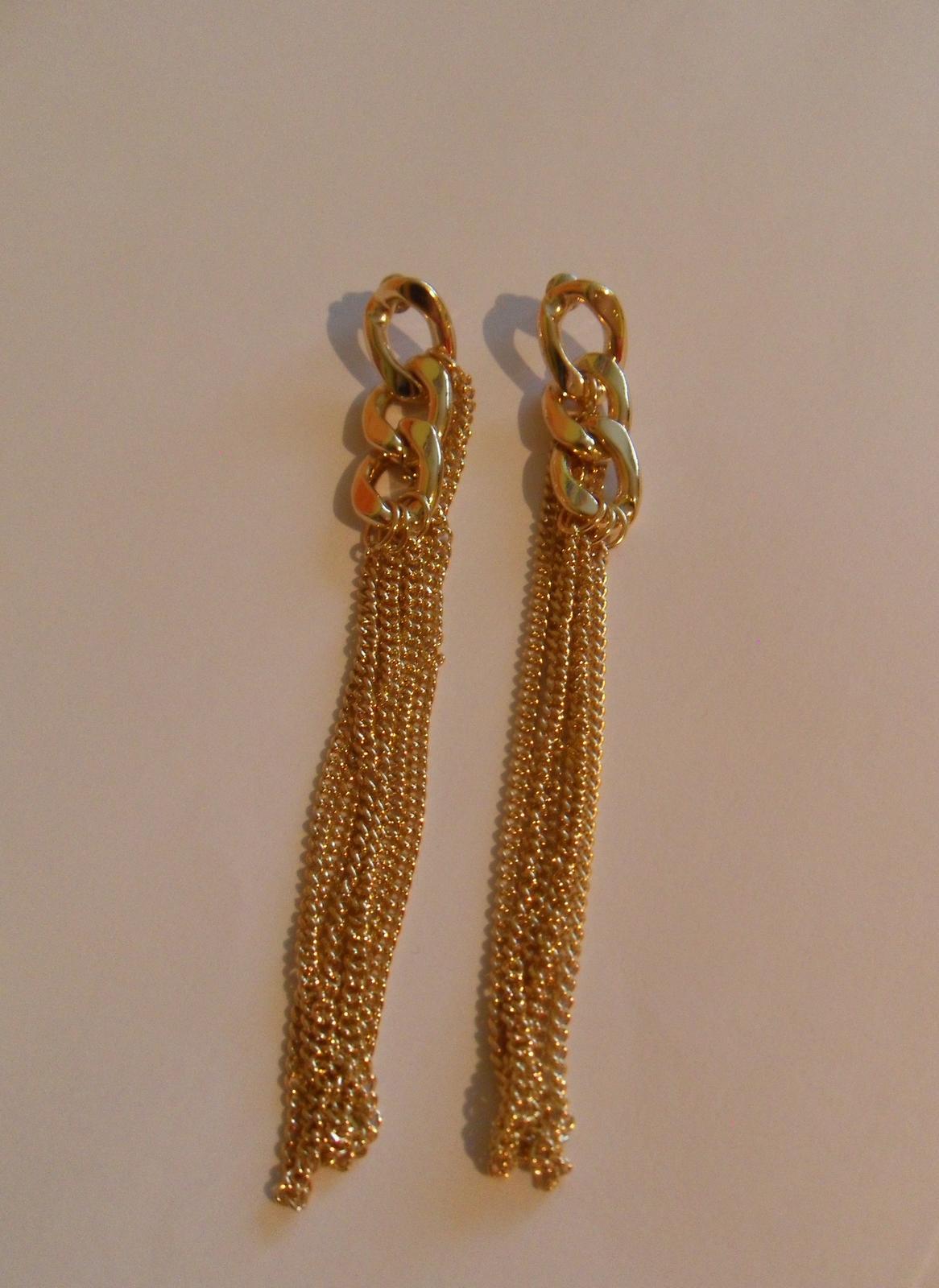 Slušivé elegantní zlaté náušnice - Obrázek č. 1