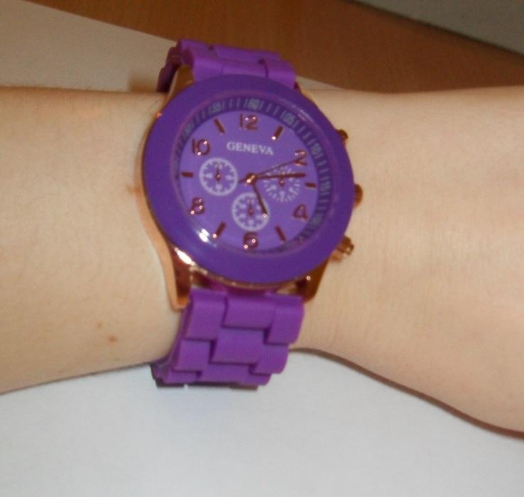 Fialové hodinky silikonové - Obrázek č. 2