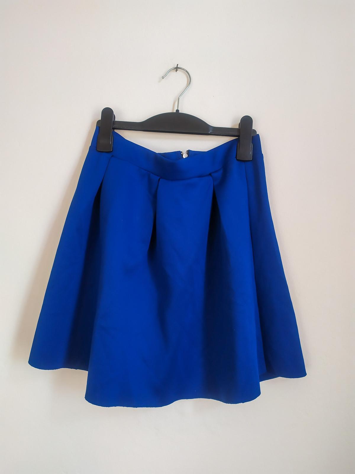 Královsky modrá skládaná mini sukně H&M - vel. 38 - Obrázek č. 1