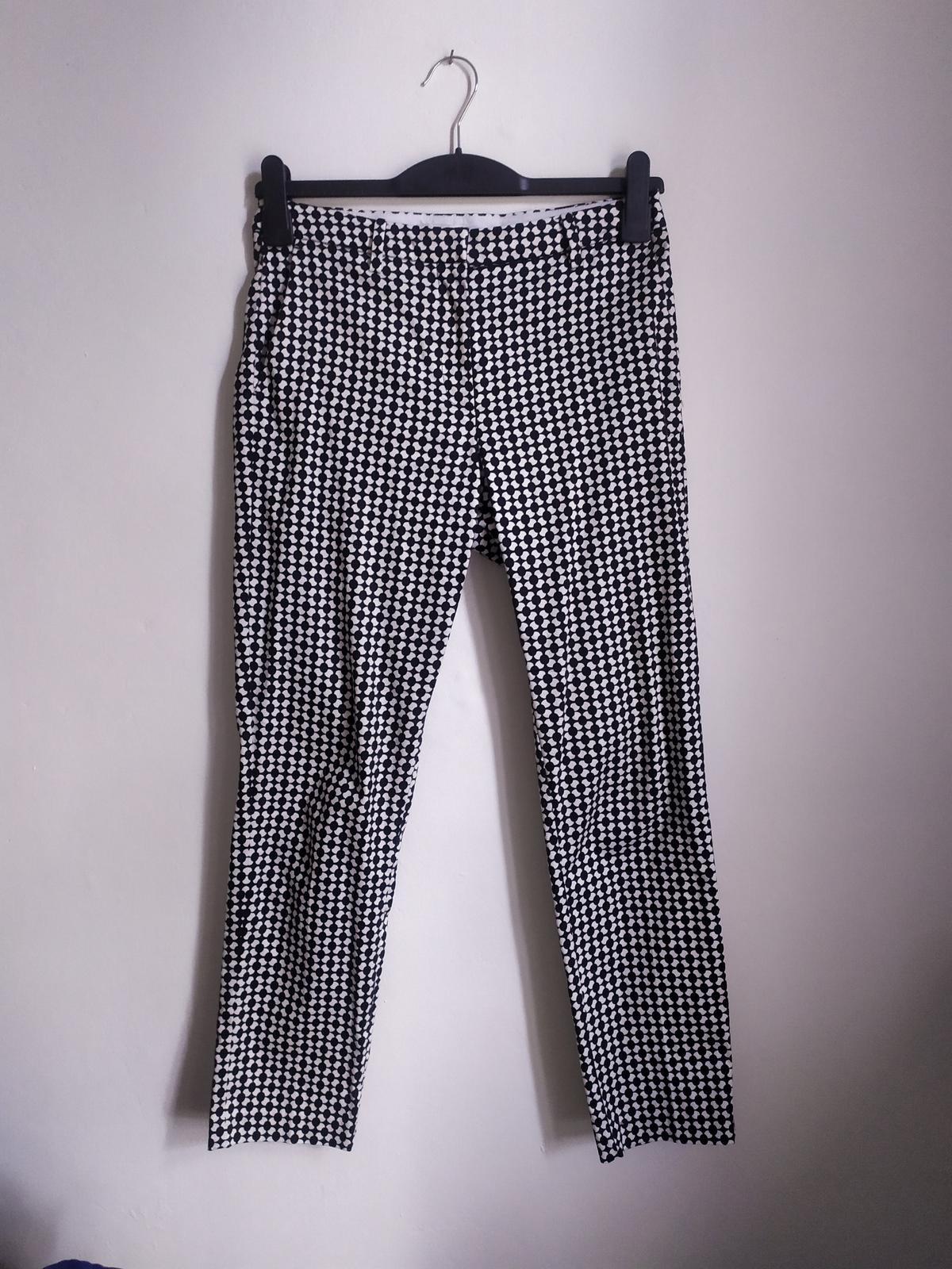 Černobílé společenské kalhoty se vzorem H&M 36 - Obrázek č. 4
