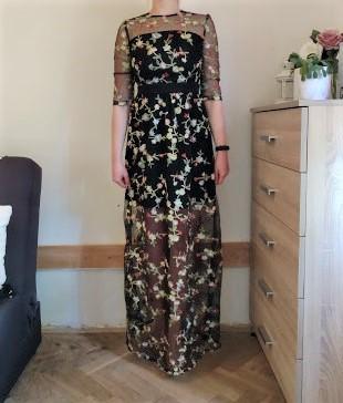 Maxi šaty černé s vyšívanými květinami - vel. S - Obrázek č. 1