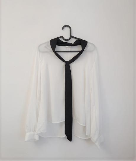 Bílá košile s černým vázáním H&M vel S. - Obrázek č. 1