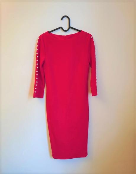 Červené šaty s perličkami na raenou vel. XS - Obrázek č. 1