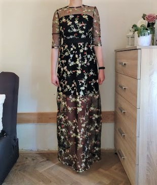 Černé maxi šaty s vyšívanými květinami - vel. S - Obrázek č. 1