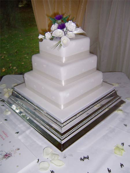 Mima a Rudy - torta bude zdobená bielymi tulipánmi