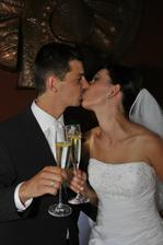 manželská pusa