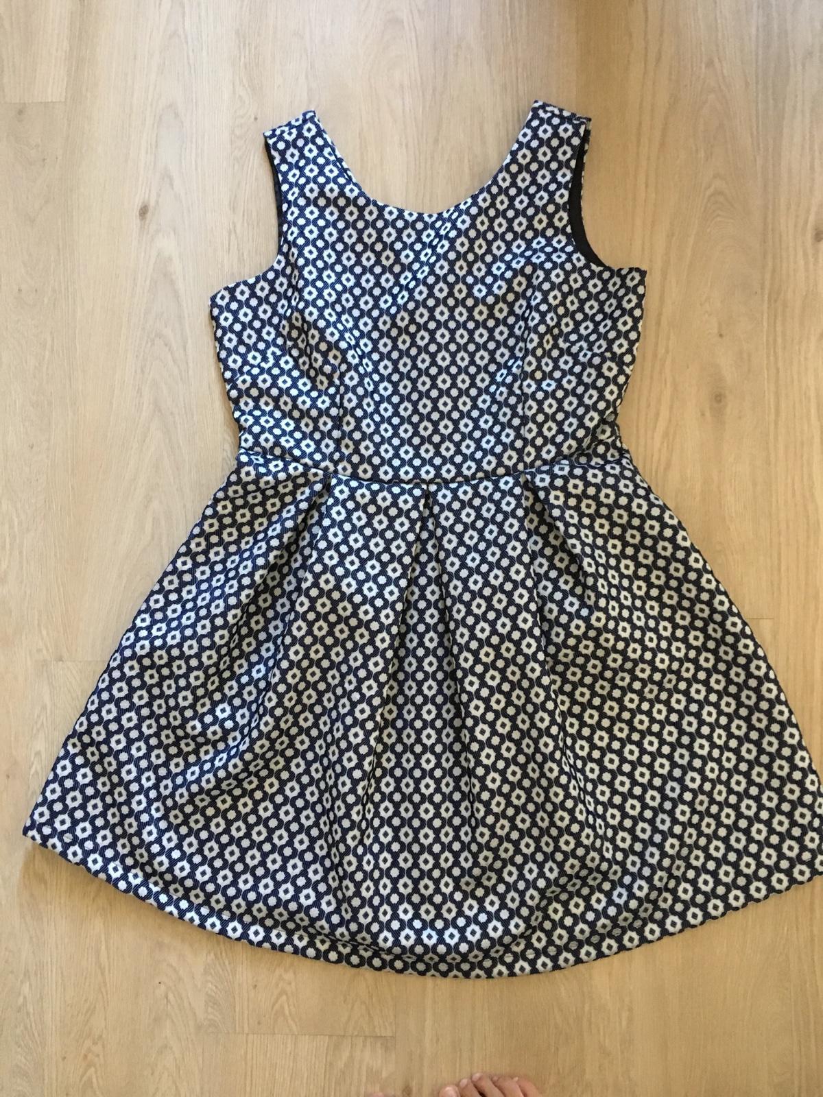 Vzorované šaty - Obrázok č. 1