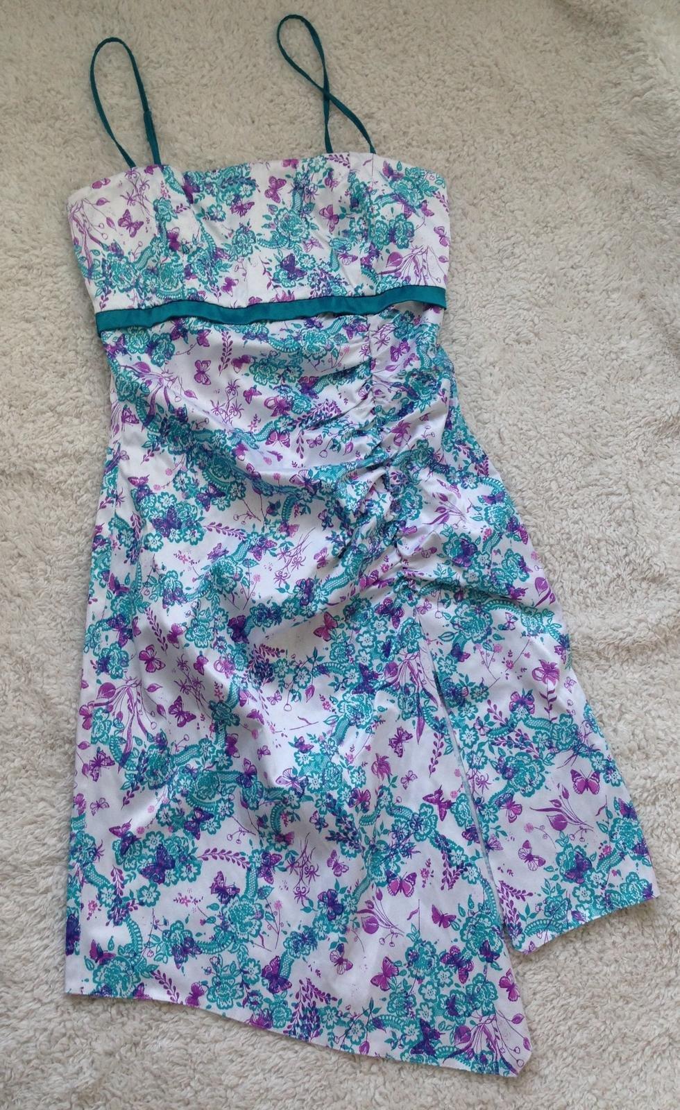 Kvetovane šaty - Obrázok č. 1