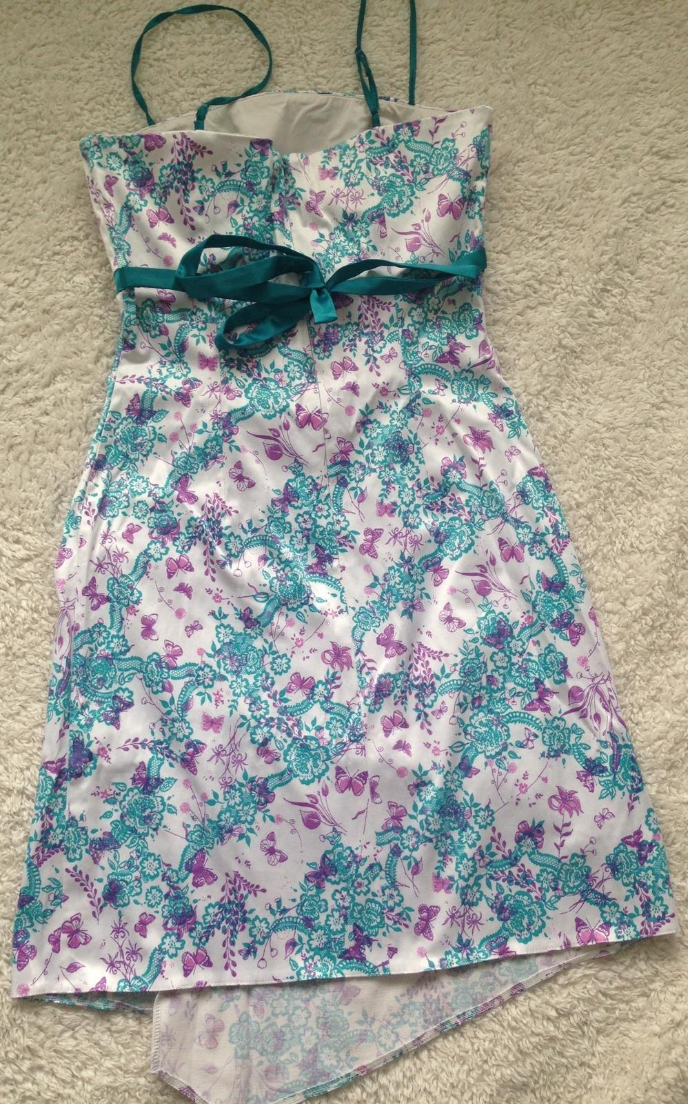 Kvetovane šaty - Obrázok č. 2