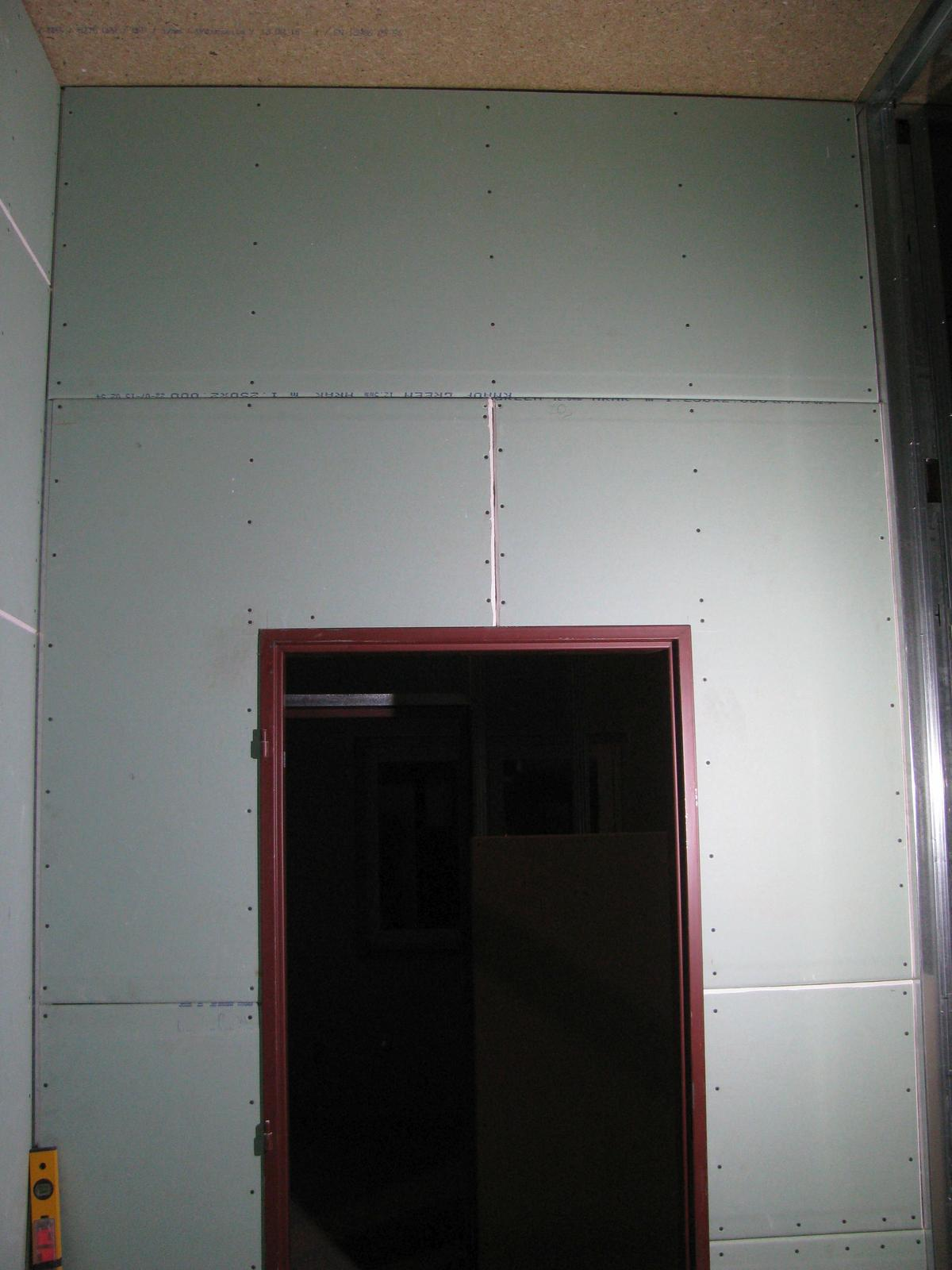 """Pasivní dřevostavba - Hýskov - koupelna zaklopená, už """"jen"""" přetmelit, hydroizolace, obklady, dlažba a je to :)"""
