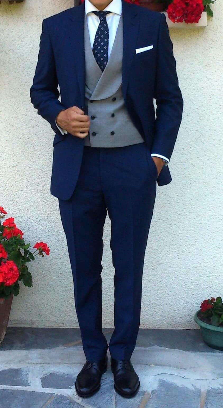 bc0052d3edd9 Akú košeľu k modrému obleku  - - Oblečenie a topá...