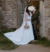 Pohodlné svatební krajkové šaty s vlečkou - 40, 40