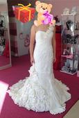 Nepoužité svadobné šaty , 38