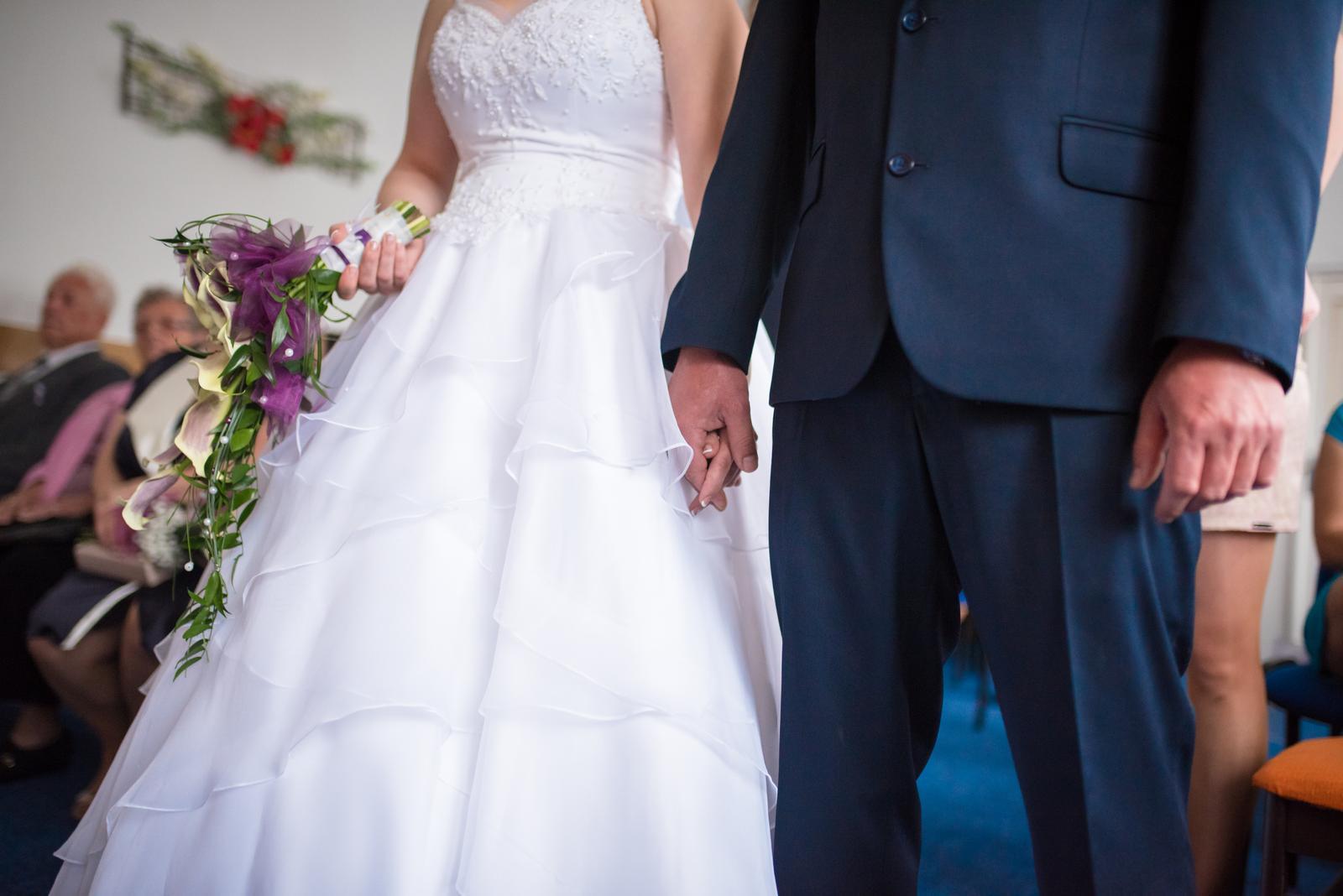 Svatební šaty bílé - Obrázek č. 1