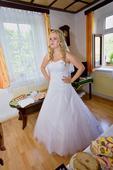 Svatební šaty s tylovou sukní, 40