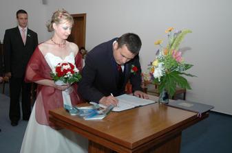 nezbytné podpisy