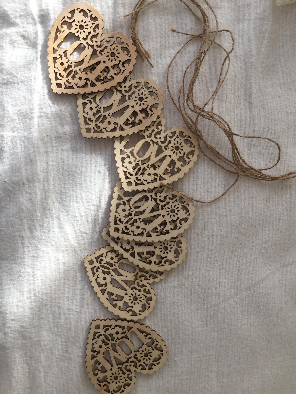 Drevene dekoračné srdiecka - Obrázok č. 1