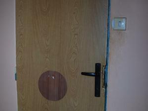 Dveře do koupelny, no nejsou krásný? :))