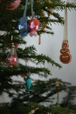 Náš baby stromeček - modrorůžové ozdoby :))