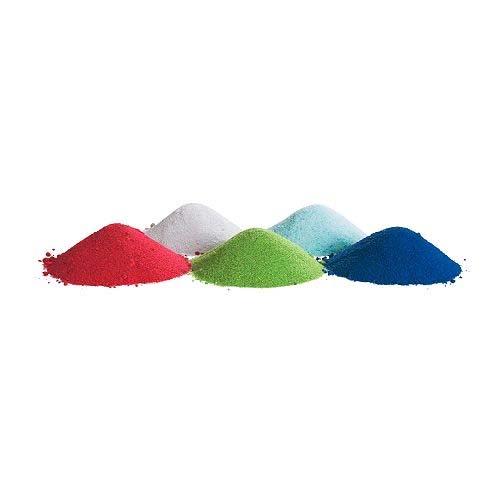 ... a do ní přidat barevný písek. U nás by připadl v úvahu asi jen bílý.