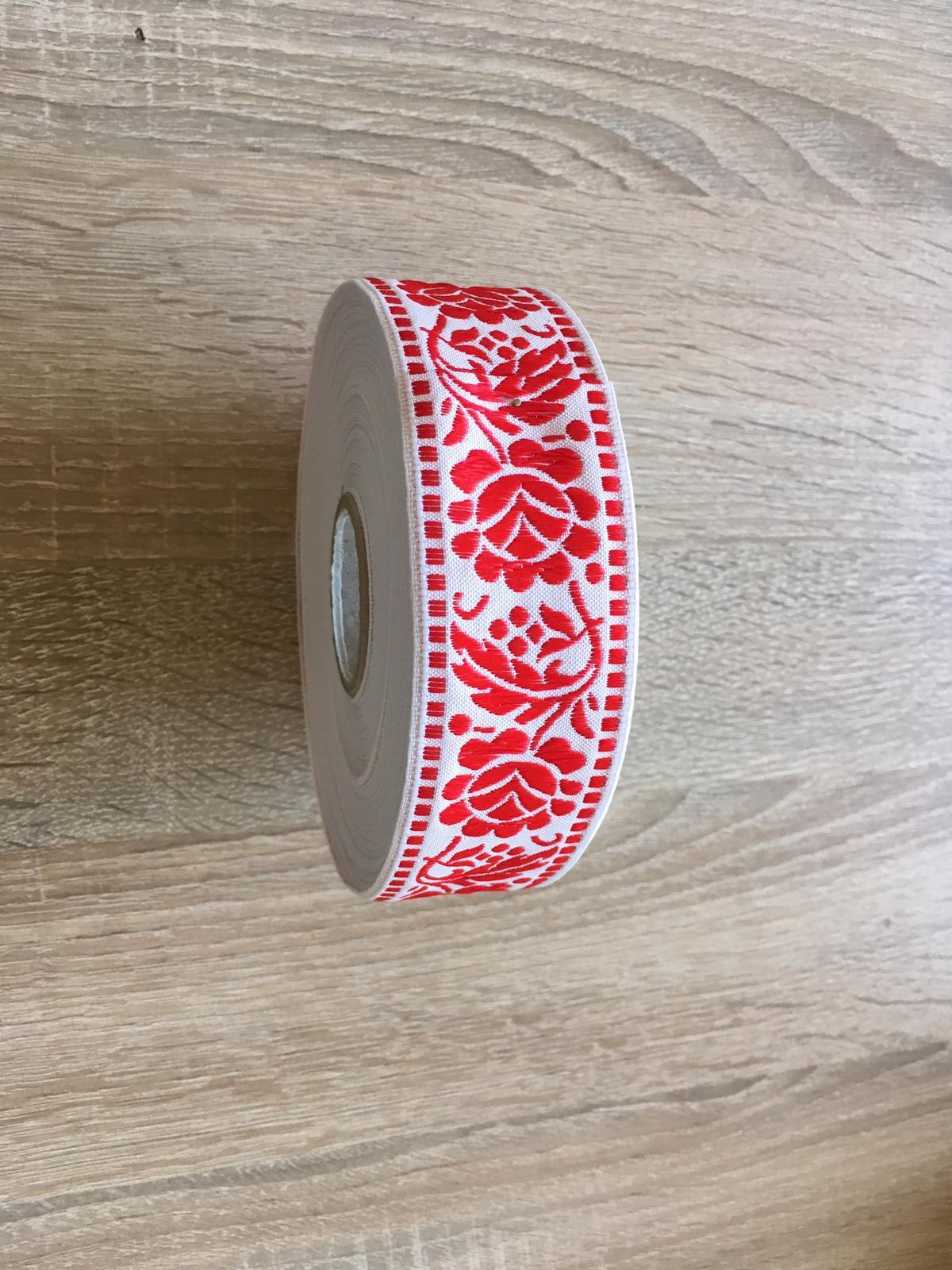 Červeno-biela folklórna stuha - krojovka - Obrázok č. 1
