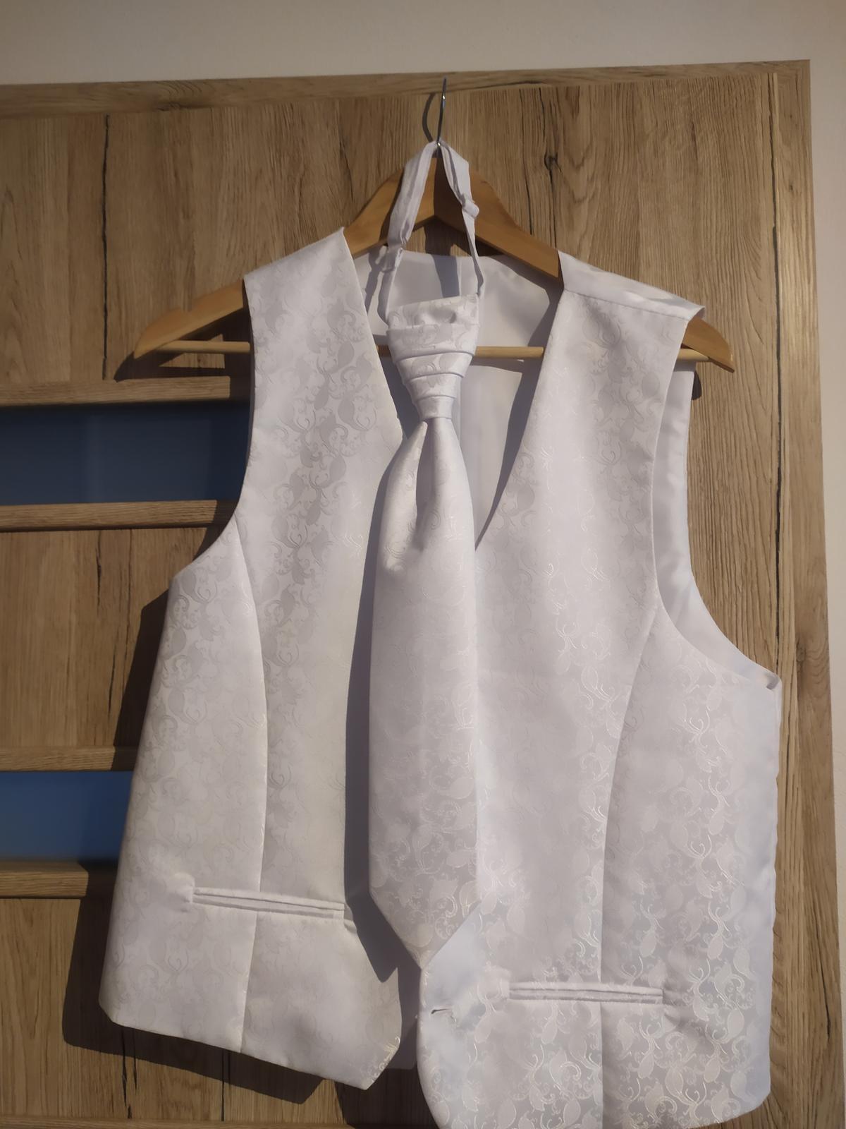 Biela panska vesta s kravatou - Obrázok č. 1