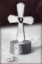 Krizik aj s krabickou na obrucky...Text: Love is patient and kind. - Corinthians 13:4-8 (22e)