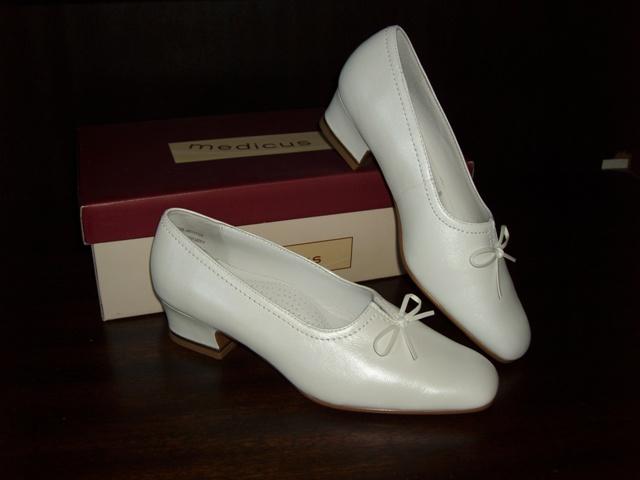 Miska & Milan - moje pre mna najkrajsie svadobne topanky, ake asi existuju