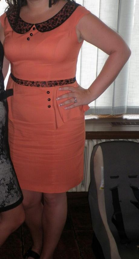 Lososové elegantné šaty - Obrázok č. 1
