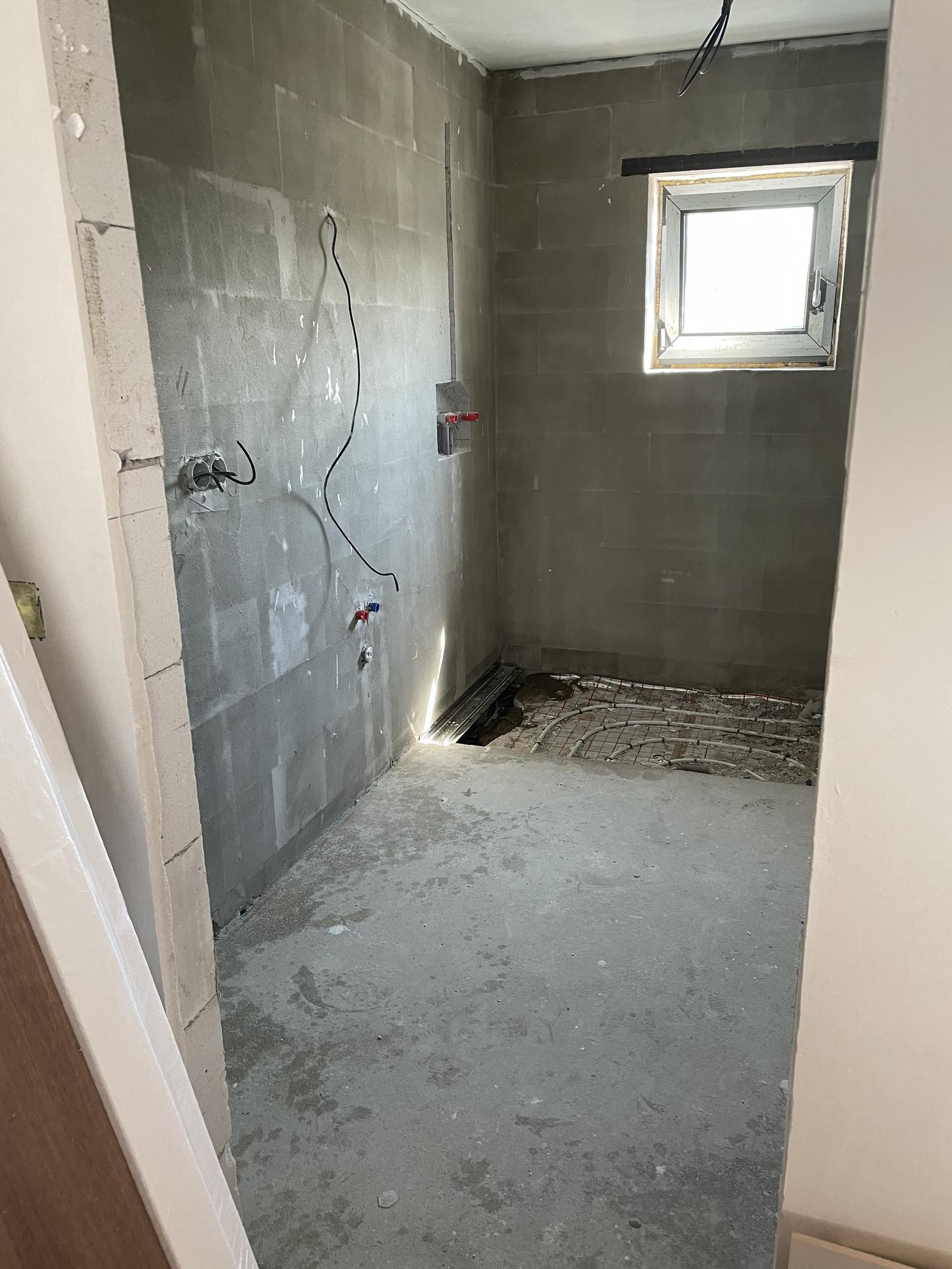 Naše nové doma - Dnes se začínají odkládat koupelny