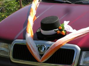 ...autíčko pro ženicha.