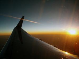 Letíme na svatební cestu..