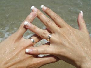 ...jedna prstýnková.