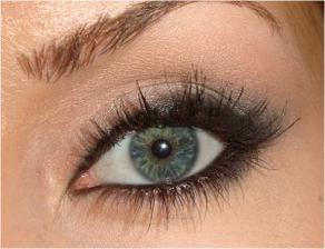 dramatický pohľad Megan Fox