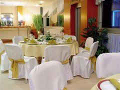 hotel Kormoran, maju krasnu letnu terasu, taku romanticku..:)
