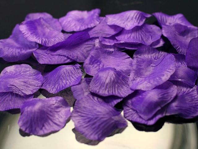 Plátky růží fialové - Obrázek č. 1