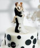 Figurka na svatební dort Líbající se novomanželé,