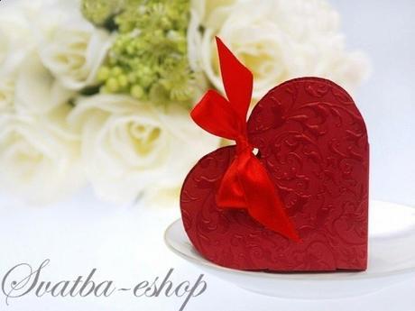 Krabička srdíčko na svatební mandle burgundy - Obrázek č. 1