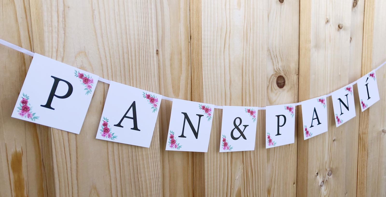Girlanda PAN&PANÍ bílá s růžičkami - Obrázek č. 1