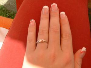 zásnubní prstýnek, je krásnej