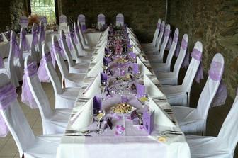 ..a takto nazdobený bude stůl na oběd, akorát v zelené barvě
