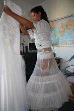 Oblékání těch nejkrásnějších šatů