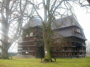 Dreveny artikularny kostolik v Hronseku